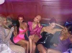 kim kardashian kylie jenner birthday 2018 kylie jenner s 21st birthday party photos of kim