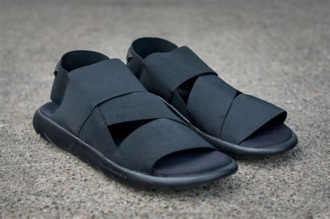Sepatu Adidas Y3 Yohji Yamamoto adidas y 3 turns the qasa into a sandal eu kicks sneaker magazine sandals the