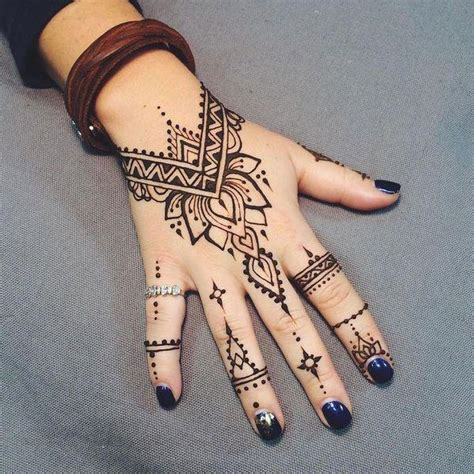 einfache henna tattoo hand vorlagen diy henna ideas designs and motifs for beginners