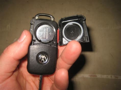 Volkswagen Passat Key Replacement by 2012 2015 Vw Passat Key Fob Battery Replacement Guide 013