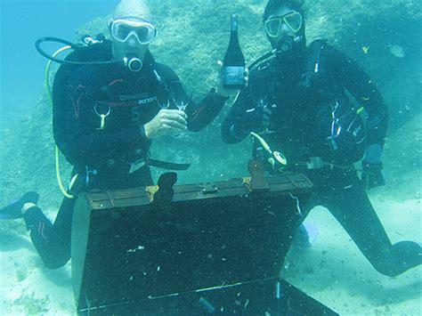 imagenes raras del fondo del mar espa 241 a ocholeguas com una bodega en el fondo del mar