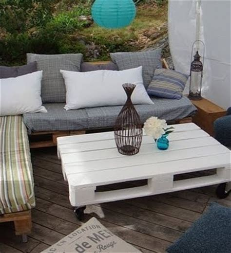 outdoor sofa made from pallets pallet sofa inexpensive seating arrangement ideas