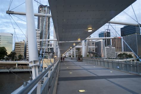 Kurilpa Bridge photo of kurilpa bridge brisbane free australian stock