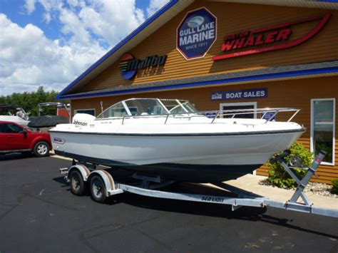 boston whaler boats michigan boston whaler 20 dauntless dual console boats for sale in