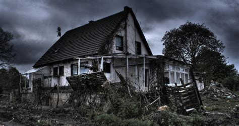 ghost in this house ghost house by cryther on deviantart