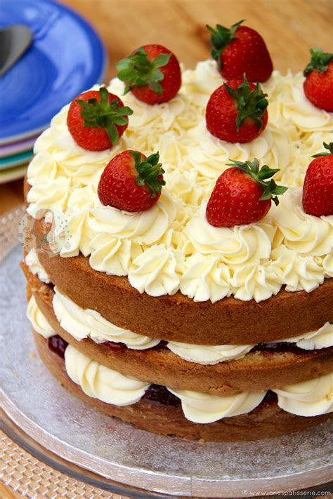 Best 25  Victoria sponge ideas on Pinterest   Victoria