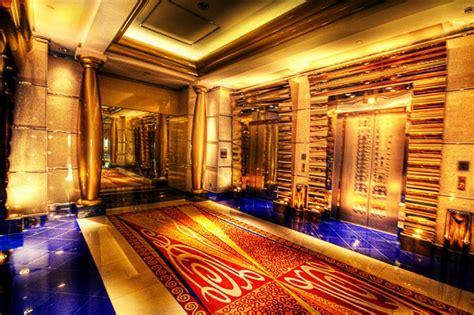 Plane King Isi 6 hotel burj al arab 7 stele