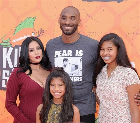 kobe bryant family biography kobe bryant family pictures wife parents daughters age