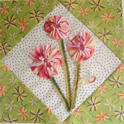 Patchwork Posse - how to applique yo yos posies quilt block