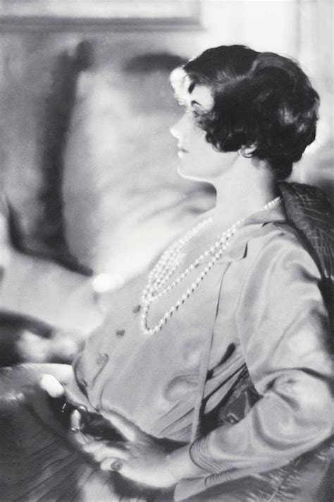 short biography coco chanel coco chanel short hair 1920 coco chanel pictures