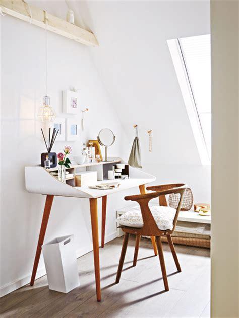 bücherregal dachschräge design dachgeschoss schlafzimmer