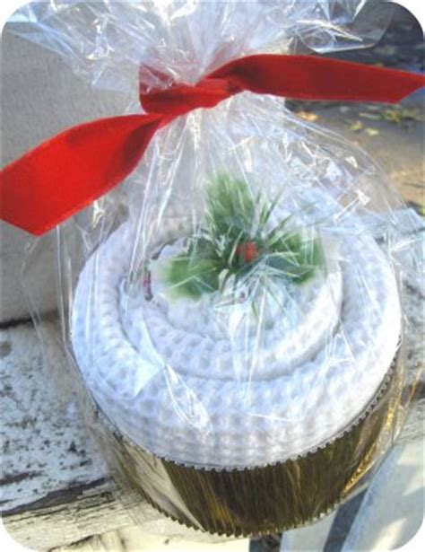 kitchen towel craft ideas and thrifty gifts made from towels and washcloths grandmother wren