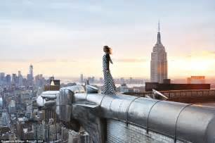 Chrysler Building Eagles Daredevil Photographer Climbs World S Most