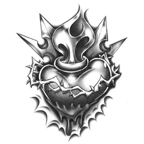 black and grey urban tattoos urban realistic temporary tattoo heart w crown of thorns