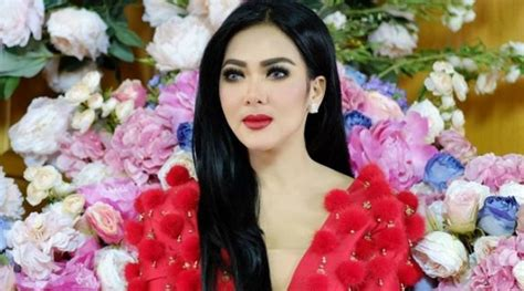 Parfum Sephora Syahrini foto dihiasi swarovski parfum syahrini dijual