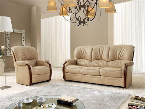divani in legno divano scorniciato con legno a vista e schienale alto