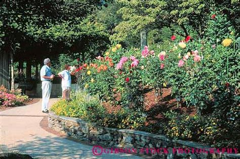 Couple In Brookside Gardens Wheaton Maryland Stock Photo 12428 Botanical Gardens In Maryland