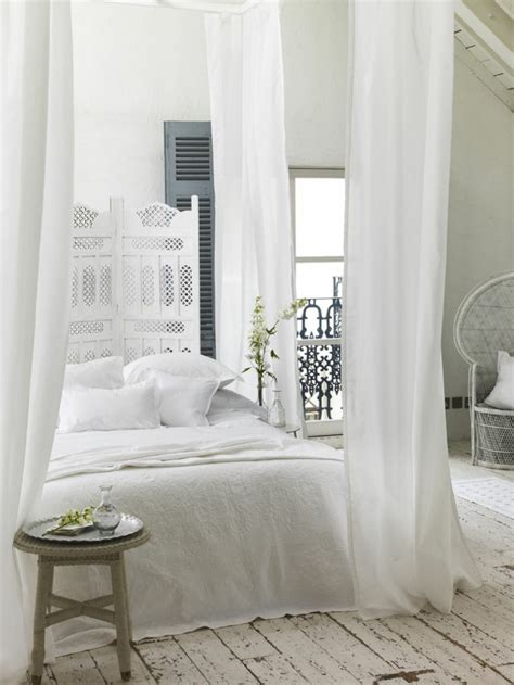 idee deco chambre a coucher la deco chambre romantique 65 id 233 es originales archzine fr