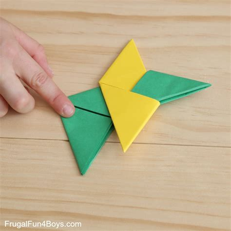 How To Fold A Paper Throwing - how to fold paper