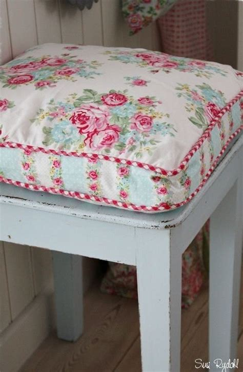 kitchen chair cushion fabric 1000 images about shabby chic on
