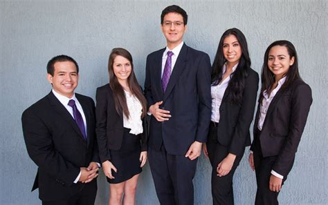 Pwc Intern International Students Mba by College Of Business Students Become Problem Solvers For