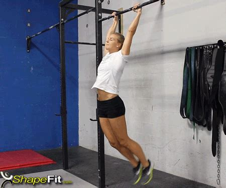 muscle up swing toes to bar crossfit exercise guide with photos