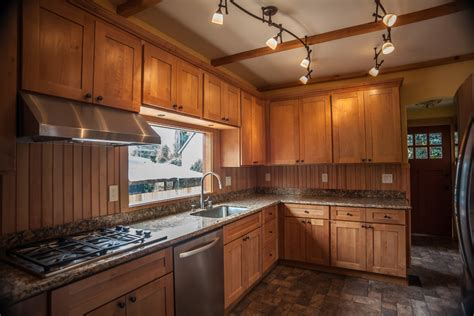 Maple Cabinet Kitchen Maple Kitchen Cabinets Kitchen Traditional With Board And Batten Breakfast Beeyoutifullife