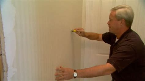 How to Remove Wallpaper   Today's Homeowner