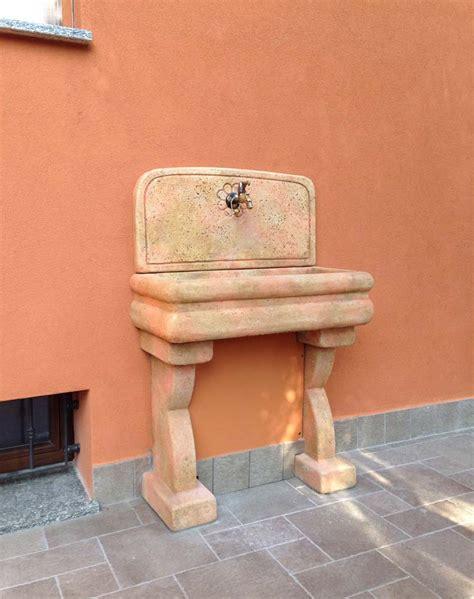 lavello per esterno lavello per esterno fontane a muro e lavelli r c di