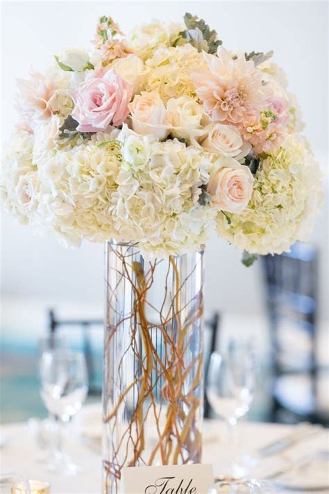 centerpiece arrangements 25 best ideas about wedding centerpieces on