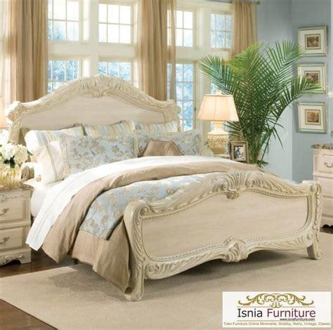 Tempat Tidur Ukiran Klasik tempat tidur ukiran klasik broken white model tempat