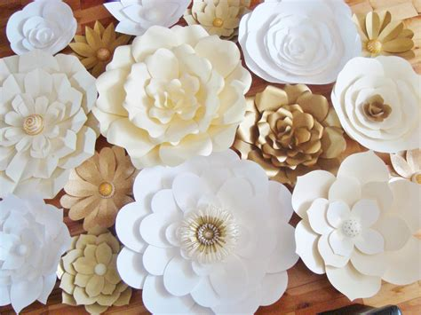 Wedding Backdrop With Paper Flowers by Diy Paper Flower Backdrop Set Of 30 Paper Flowers Paper