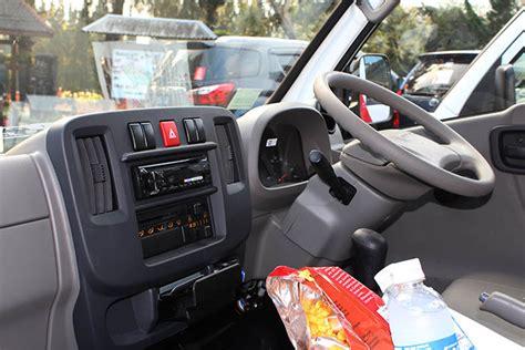 Kunci Bak Panther test drive isuzu traga sehari merasakan profesi sopir mobil bak