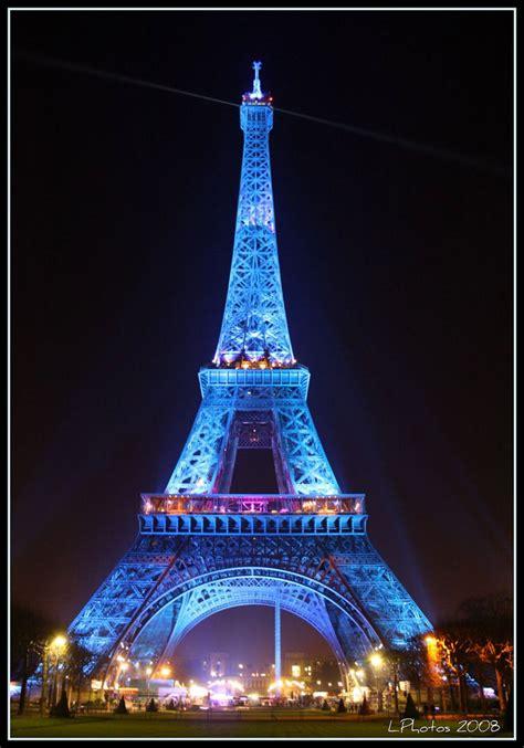 torre eiffel illuminata natale tour eiffel salire sulla torre e vedere parigi dall alto