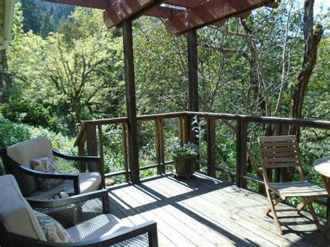 Coho Cottages Willow Creek Ca by Cabin Deck Picture Of Coho Cottages Willow