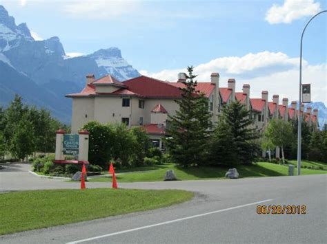 canmore quality inn 301 moved permanently