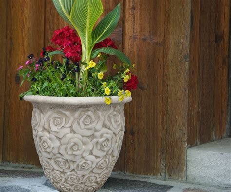 a container garden or planter southern patio 174