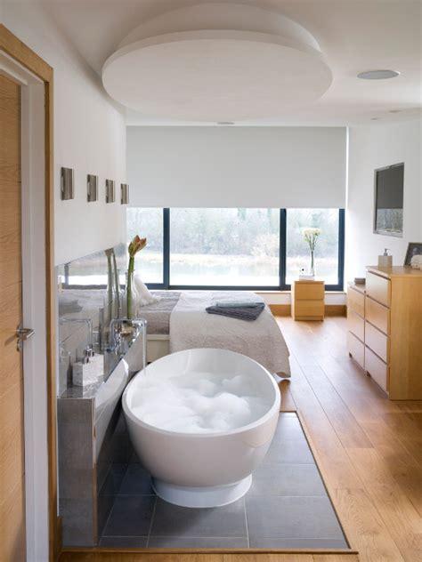 baignoire dans chambre albert quand la baignoire s invite dans la