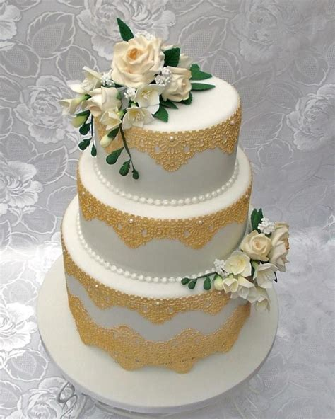 Wedding Cake Edible Lace by 3 Tier Wedding Cake With Gold Edible Lace And Made