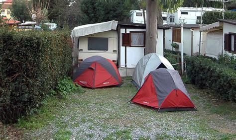 Staanplaatsen voor de tenten Diano Marina Ligurie