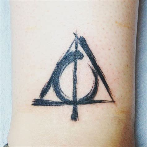 deathly hollows tattoo 25 best ideas about deathly hallows on