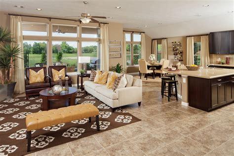 home staging tips    heirloom oriental rug