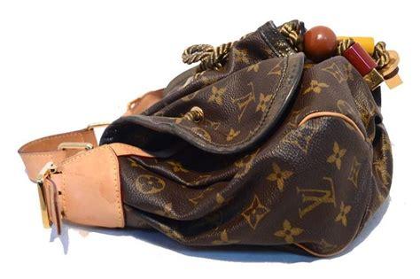 Sale Tasya Bag Set 4 In 1 Limited Edition louis vuitton limited edition kalahari pm shoulder bag for sale at 1stdibs