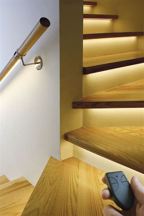 Stairway Lights by 15 Modern Staircases With Spectacular Lighting