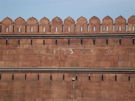 wall images file red fort delhi wall 02 jpg wikimedia commons