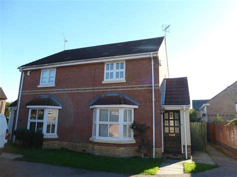 3 Bedroom House Colchester 3 Bedroom House To Rent In Derwent Road Highwoods