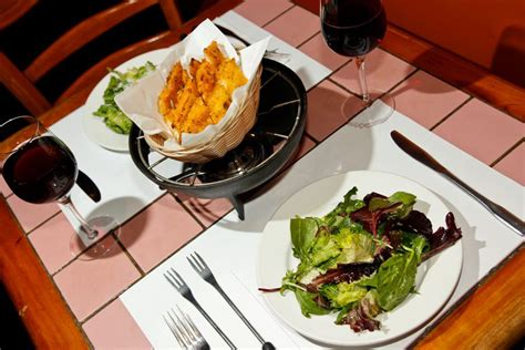 which restaurant open on new year montreal restaurants open new year s day january 1 2018