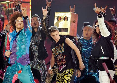 download justin bieber live my life girlshare far east movement live my life voodoosar