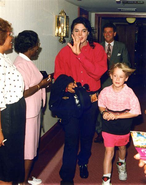 Car Bed Toys R Us Michael Jackson Rocks Bermuda S World Bernews