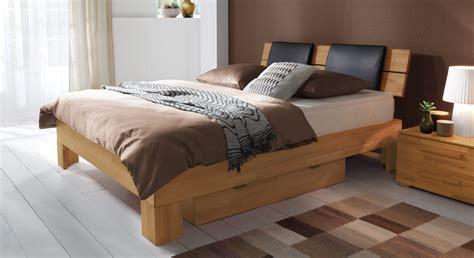 schlafzimmer betten günstig ideen f 252 r wohnzimmerdecken